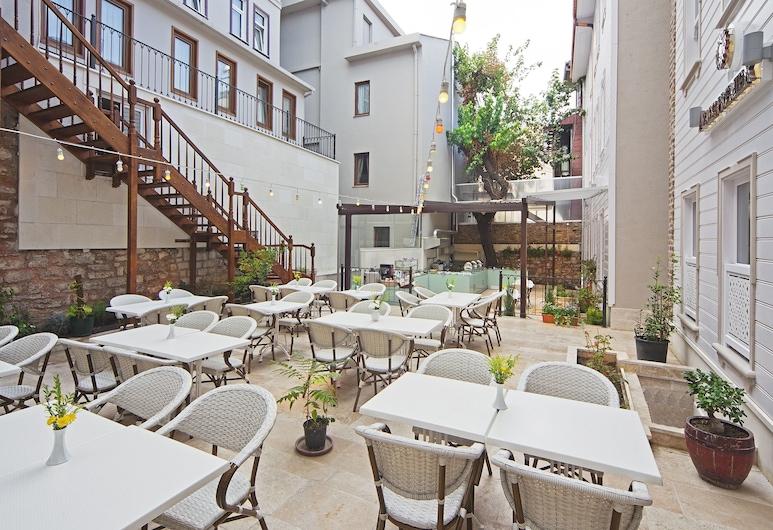 Azade Premier, Istanbul, Terrasse/veranda