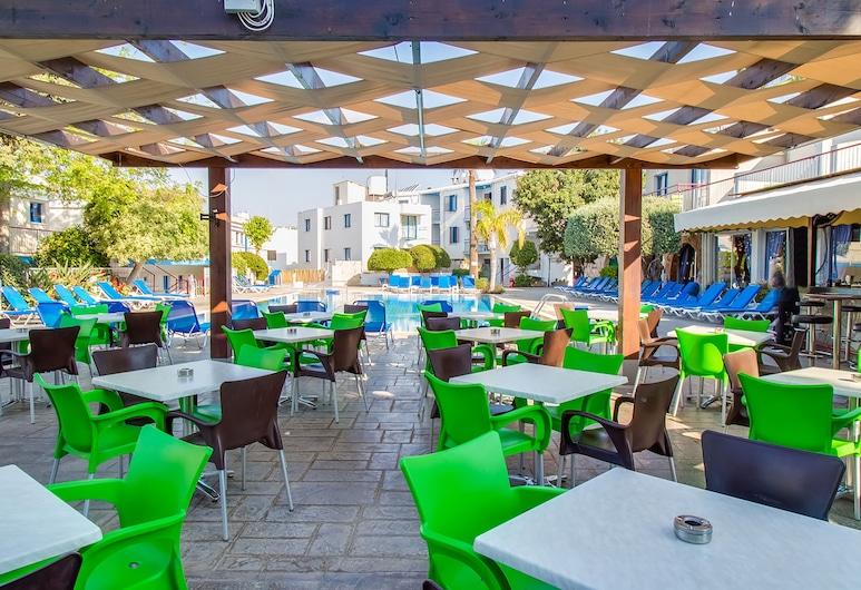 Green Bungalows Hotel Apartments, Ayia Napa, Açık Havada Yemek