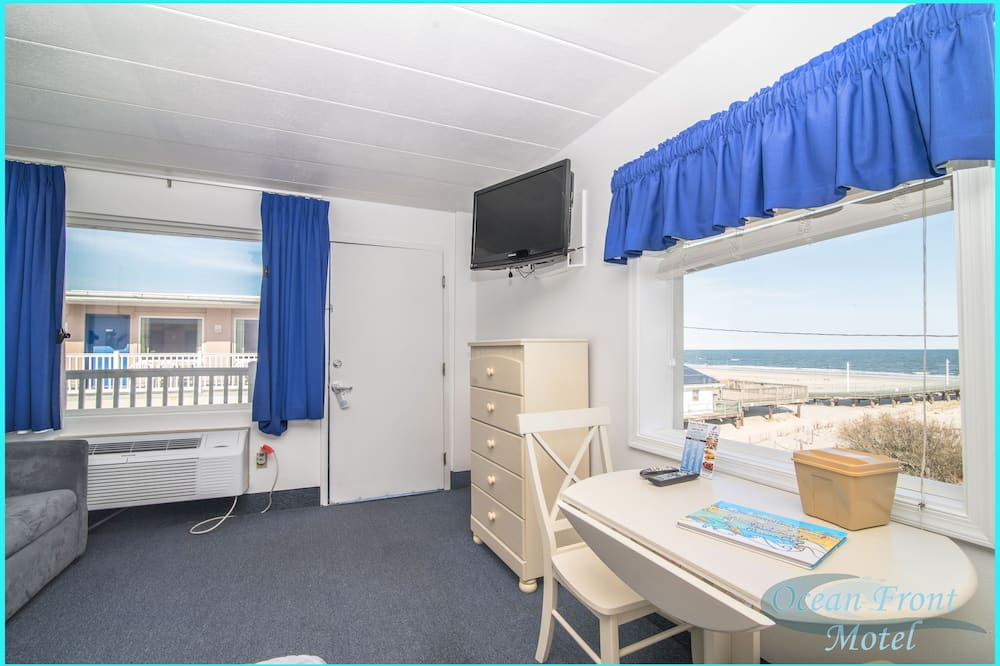 Ocean Front Room, 1 Queen Bed and 1 single sofa bed - Guest Room
