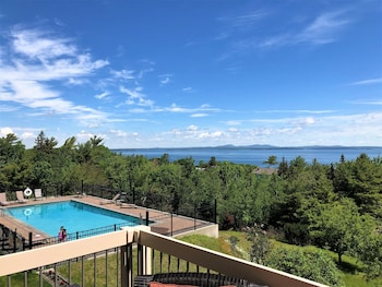 Picture of Atlantic Eyrie Lodge in Bar Harbor