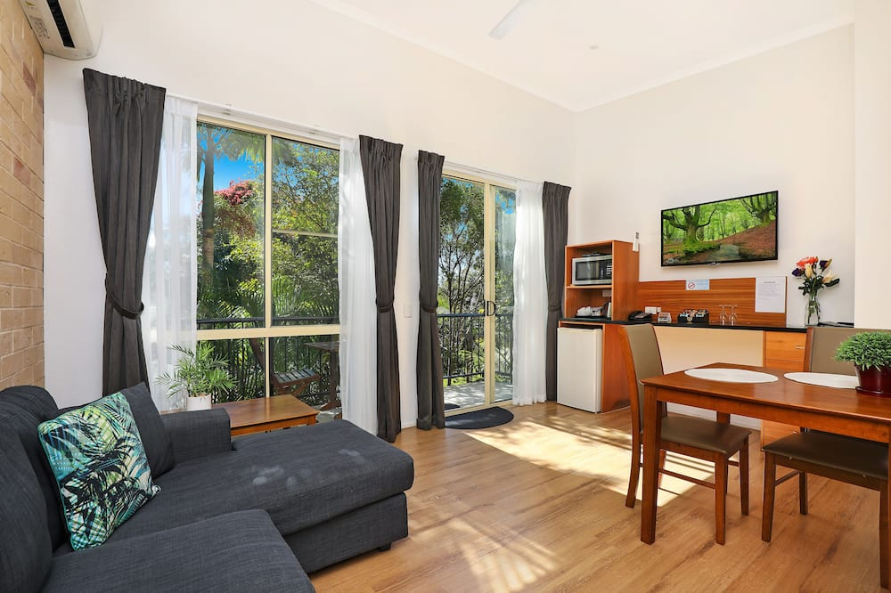 Superior Queen Room – River views, Balcony/Terrace - Living Area