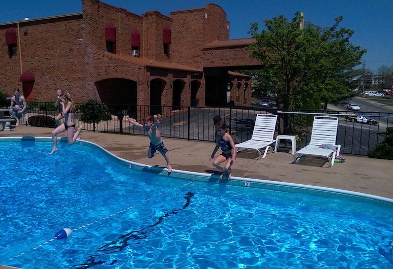 Baldknobbers Inn, Branson, Udendørs pool