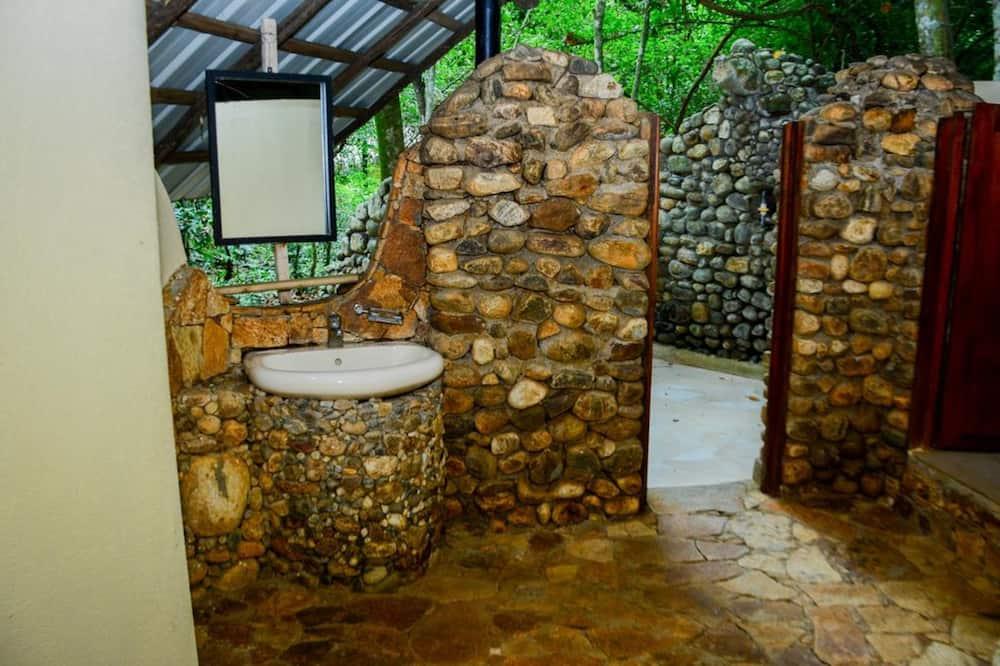 Echo Jungle Chalet, River View-Free Adventure Activities - ห้องน้ำ