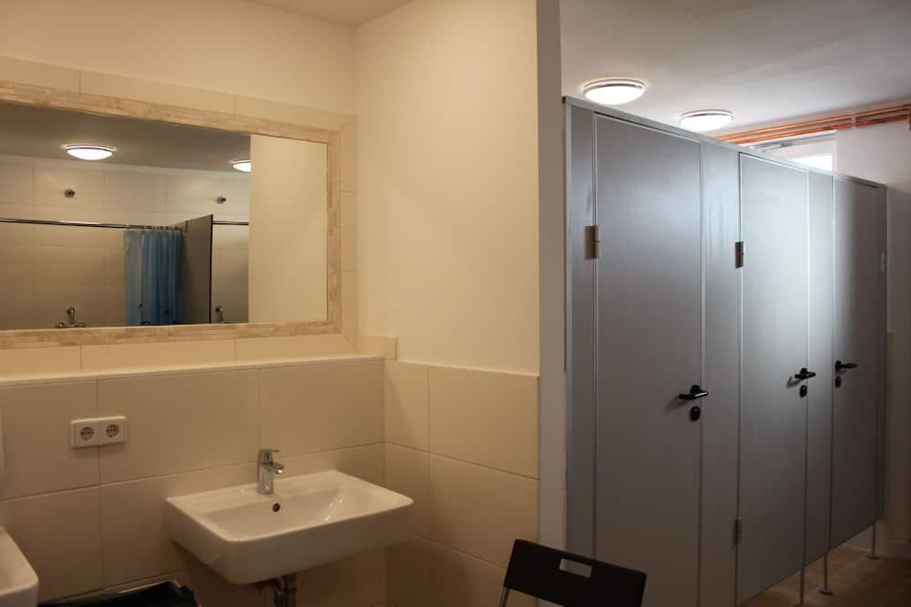 Huvila, Jaettu kylpyhuone - Kylpyhuone