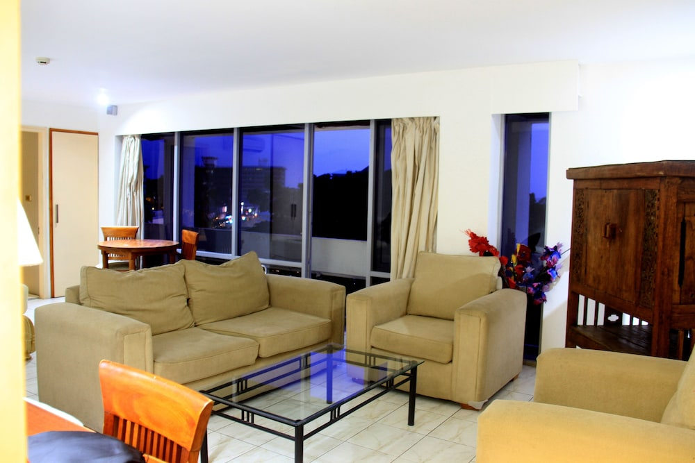 Book De Vos on the Park in Suva | Hotels.com
