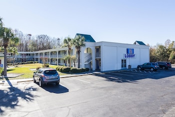 Picture of Motel 6 Townsend GA in Townsend