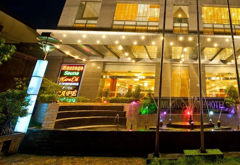 Muong Thanh Dien Chau Hotel, Diễn Châu, Hotelfassade am Abend/bei Nacht