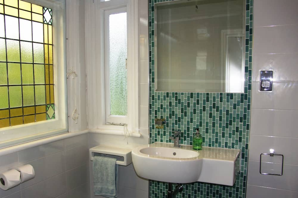 客房, 1 張特大雙人床, 獨立浴室 (Room 3) - 浴室