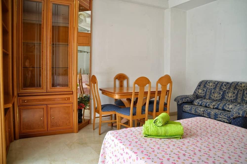 Double Room POZAS, bano compartido, Climatizada - Coin séjour