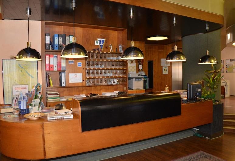 薩利埃瑞酒店, 萊尼亞戈, 櫃台
