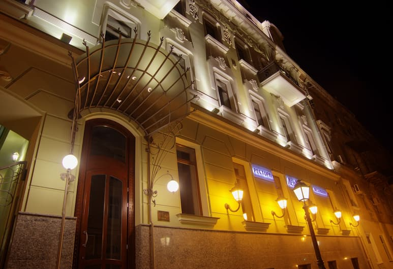Duke Hotel, Odessa, Exterior