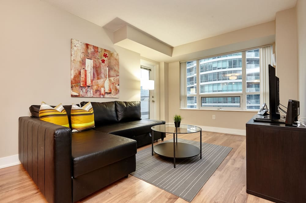 Premier Apartment, 2 Bedrooms - Living Area