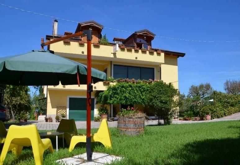 B&B Il Girasole, Agropoli, Hótelinngangur