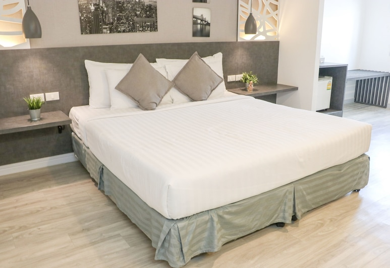 The Mini R Ratchada Hotel, Bangkok, Premier Suite, Guest Room
