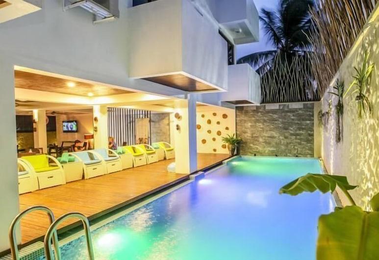 Beachwood Hotel, Maafushi