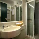 standartinis dvivietis kambarys - Vonios kambarys