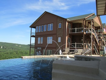 Branson bölgesindeki Cliffs Resort Table Rock Lake resmi