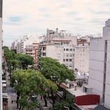 Standartinio tipo trivietis kambarys, balkonas, vaizdas į miestą - Balkonas
