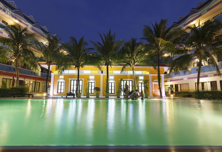 블루 카리나 인 호텔, 위칫, 야외 수영장
