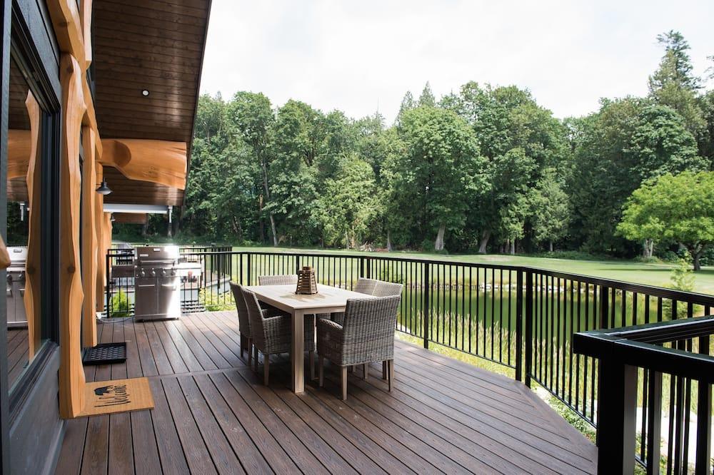 奢華小屋, 多張床, 河景 (Kermode) - 陽台
