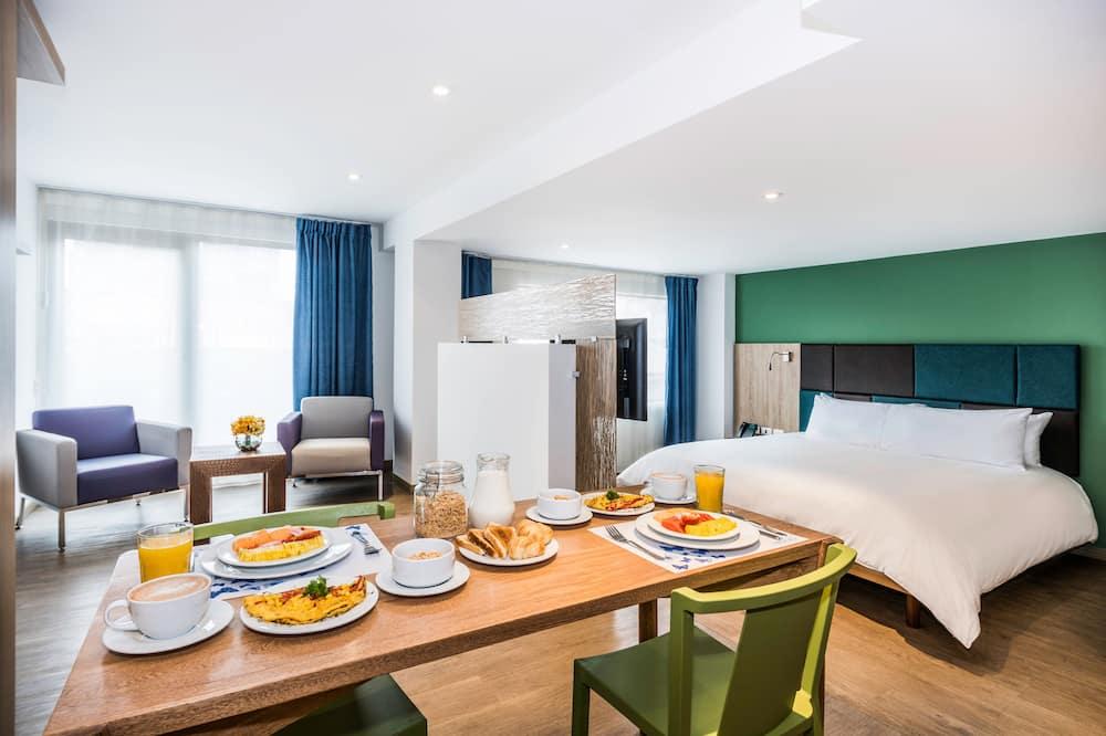 Suite Loft - Обед в номере