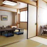 Osnovna soba, privatna kupaonica (10-12 Tatami Mats + 6 Tatami Mats) - Obroci u sobi