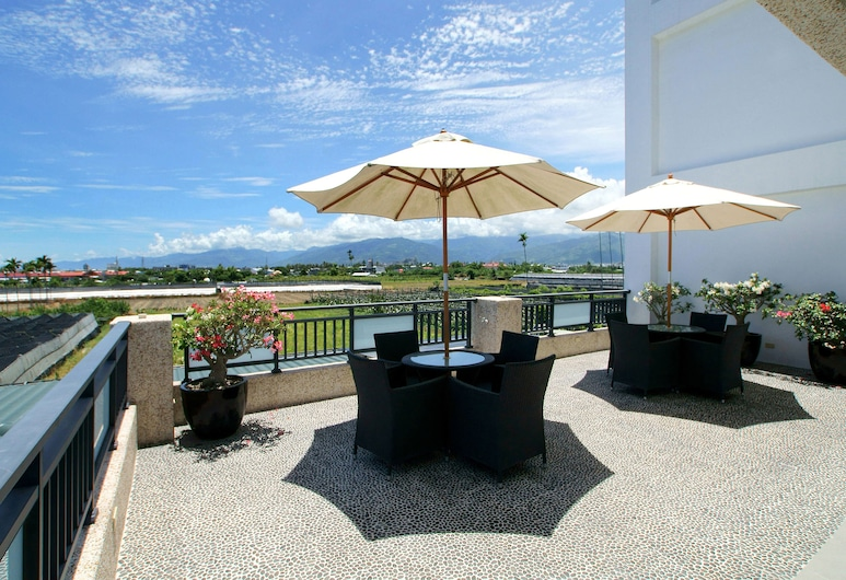 Summer Moonlight Vacation House, Taitung, Family Oda, Teras/Veranda