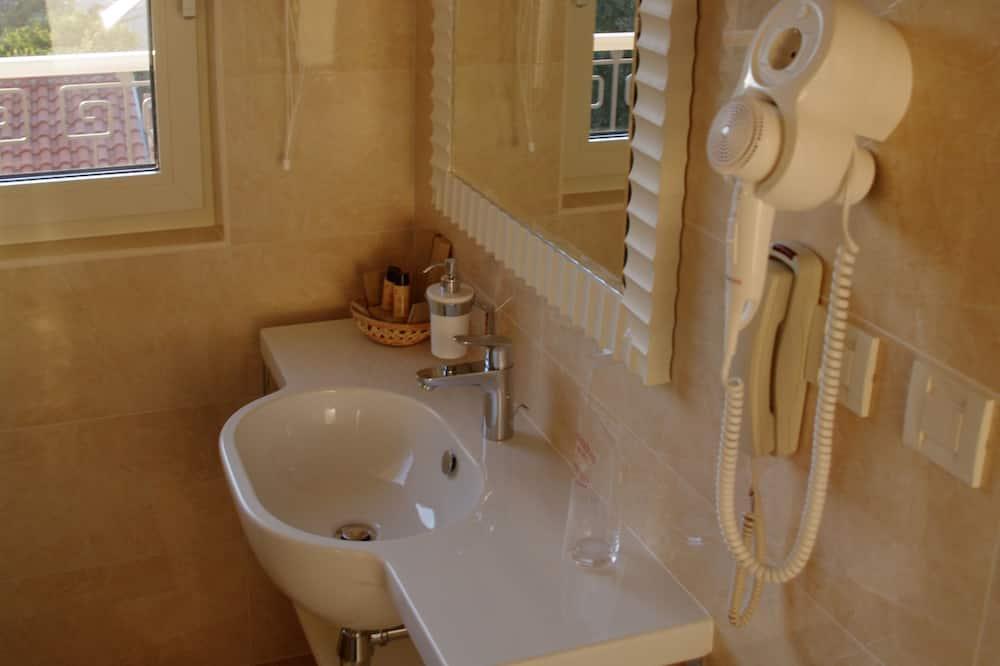 Chambre Double Confort, 1 lit double - Salle de bain