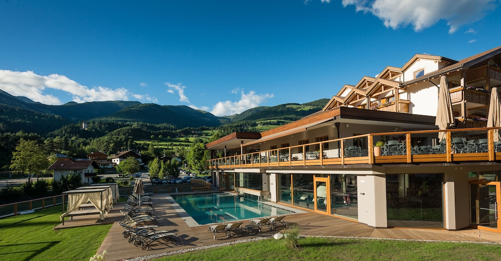 Green Lake Hotel Weiher Falzes Outdoor Pool