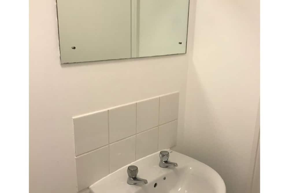 غرفة اقتصادية مزدوجة - بحمام داخل الغرفة - حمّام