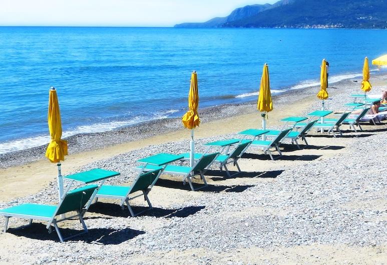 هوتل إيدن بارك سيلينتو, إيسباني, الشاطئ