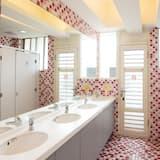 Standard Room (Twin Room (Bunk Bed)) - Bathroom