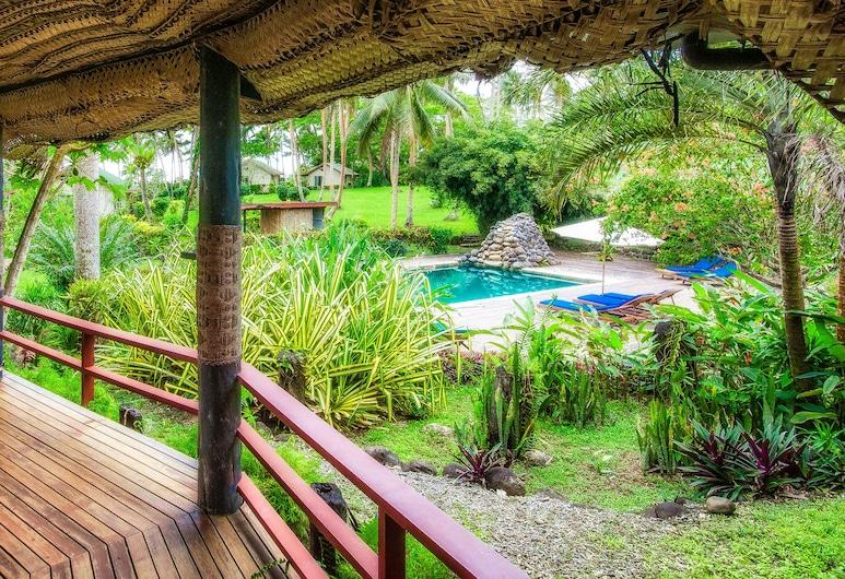 馬拉威塔威尼旅館, 塔韋烏尼東島, 室外用餐