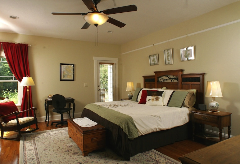 Seven Oaks Inn Bed and Breakfast, High Point, Master Oakes Non Smoking, Zimmer