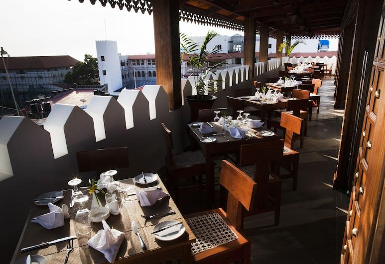 DoubleTree by Hilton Hotel Zanzibar - Stone Town, Zanzibar, Taras/patio