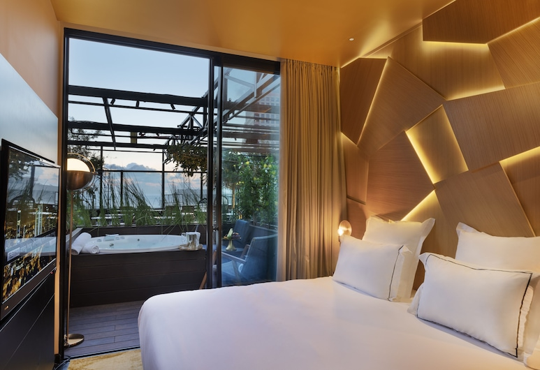 Lighthouse by Brown Hotels, Tel Aviv, Terrace Room with outdoor Jacuzzi , Pokój