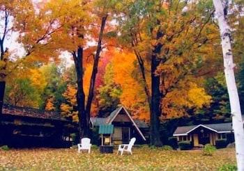 Fotografia do Amber Lantern Lake George Motel and Cottage Rentals em Lake George