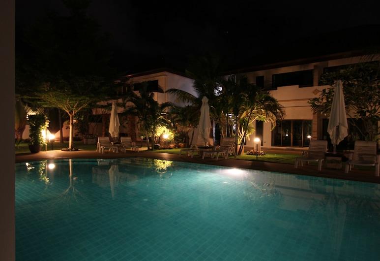 巴比倫泳池別墅酒店, 拉威, 室外泳池