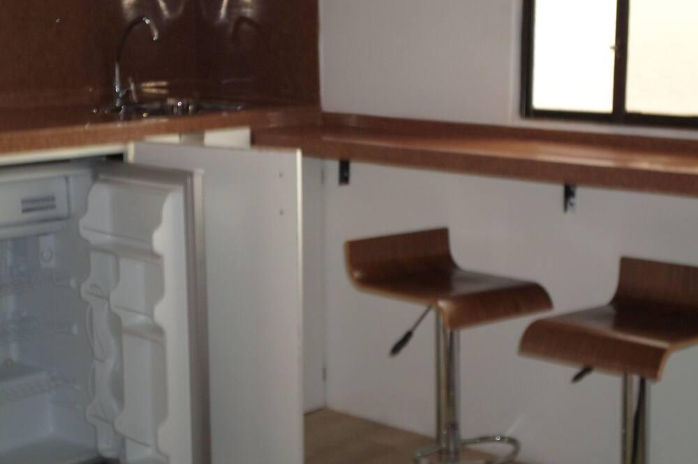 Habitación superior, 1 cama Queen size, cocina básica - Minirefrigerador