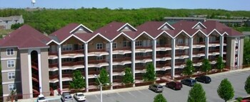 Picture of Grand Crowne Resort by Capital Vacations in Branson