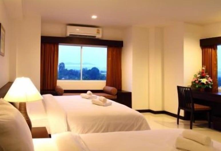 The White Pearl Hotel, Krabi, Deluxe Triple Room, Kamer