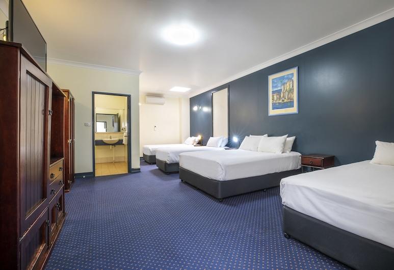 Atherton Hotel, Atherton