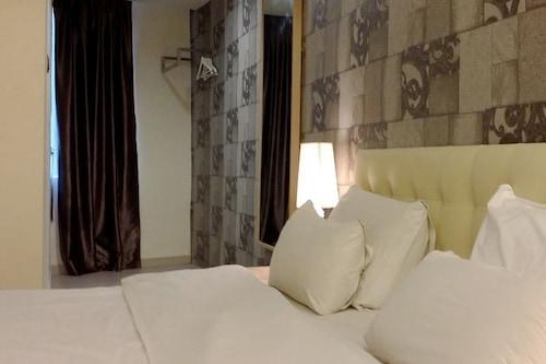 I-Hotel