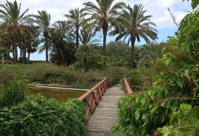 Sevenmaze Charming House, Bari, Property Grounds