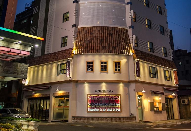 尤尼克住宿飯店, 釜山, 飯店入口 - 夜景