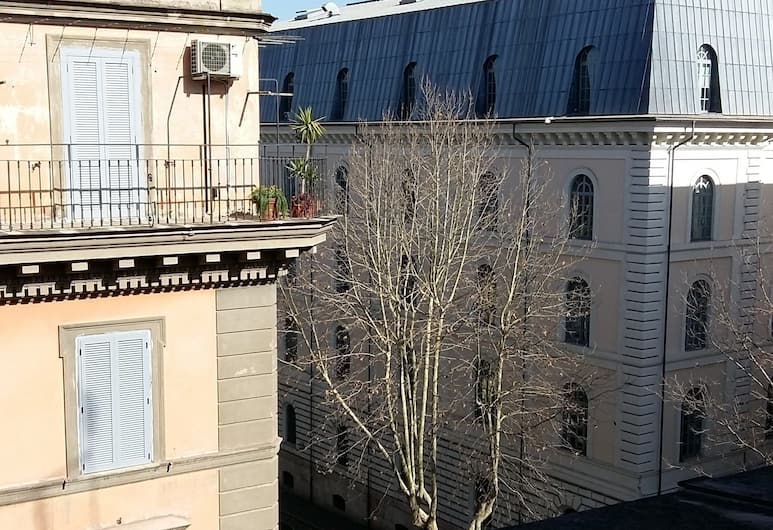 Friendship Place, Róma, Kilátás a hotelből