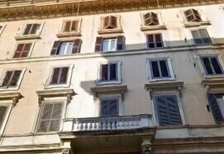 友誼飯店, 羅馬, 門廊