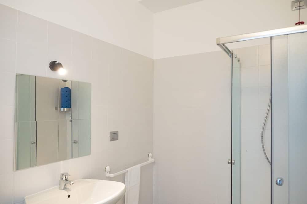 Comfort Double or Twin Room, 1 Katil Kelamin (Double) atau 2 Katil Bujang (Single), Terrace - Bilik mandi