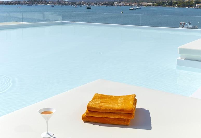 Nikki Beach Resort & Spa Porto Heli, Ermionida, Suite - havudsigt (Luux, Shared Pool), Terrasse/patio