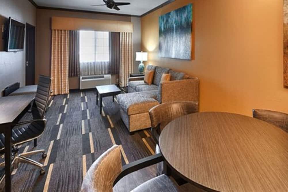 Suite, 1 cama King size con sofá cama, con acceso para silla de ruedas (with Sofabed) - Sala de estar